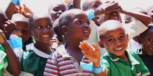 happy kids waving